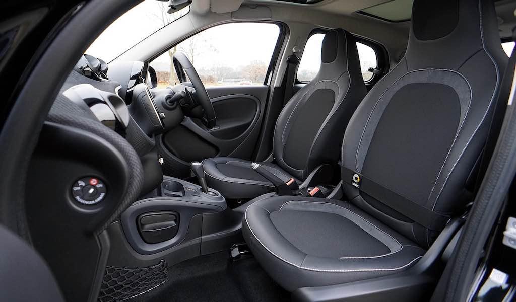 Interior de coche limpio